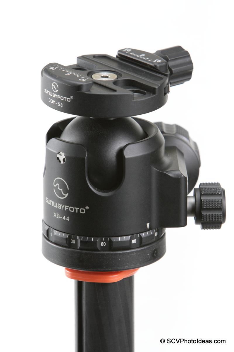 Sunwayfoto DDY-58 Discal QR Clamp on XB-44 LP ball head