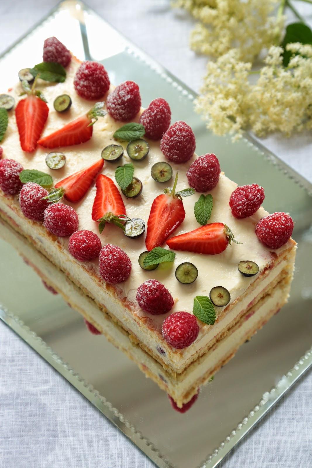 Gâteau de fêtes de mères : tiramisu aux framboises