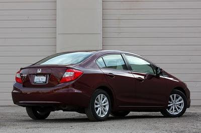 Honda Civic 2012 ด้านหลัง