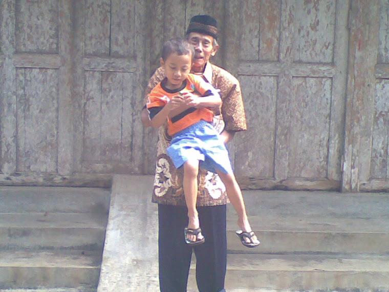 Bersama Kakek tercinta