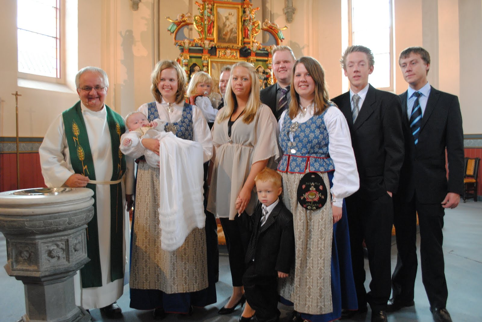 kjole etter dåpen