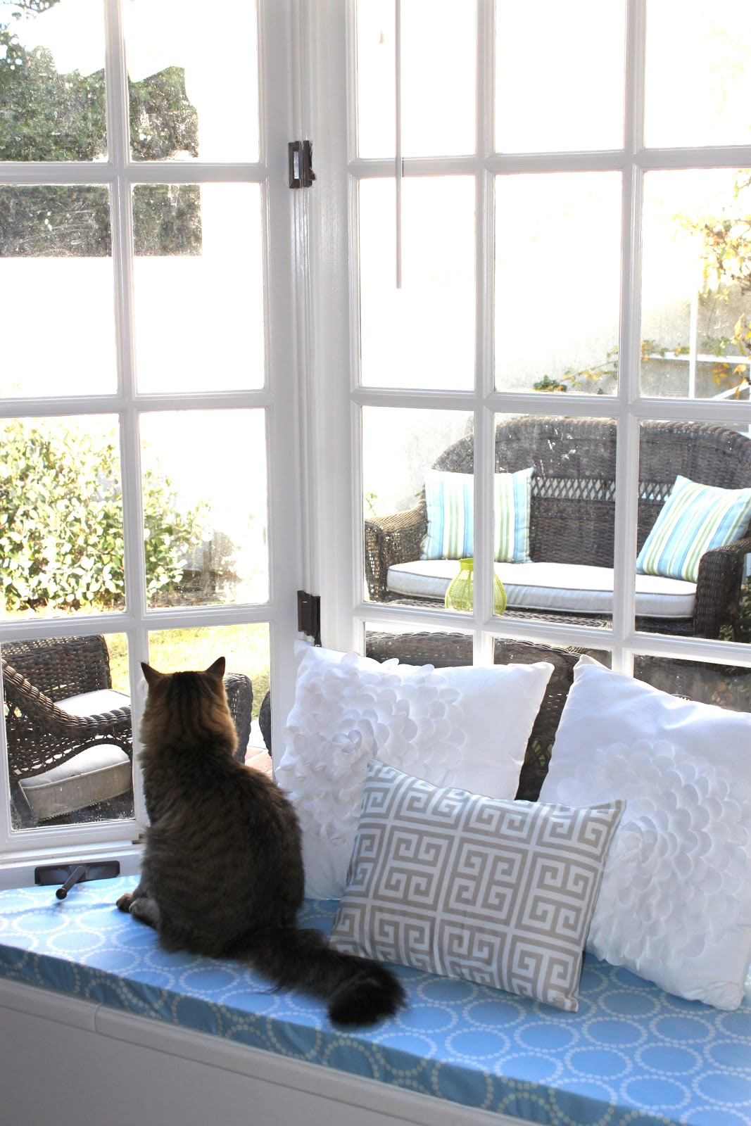 the smitten mintons no sew window seat cushion bay window seat cushion