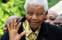 """Nelson Mandela, en """"estado crítico"""" y rodeado por su familia"""