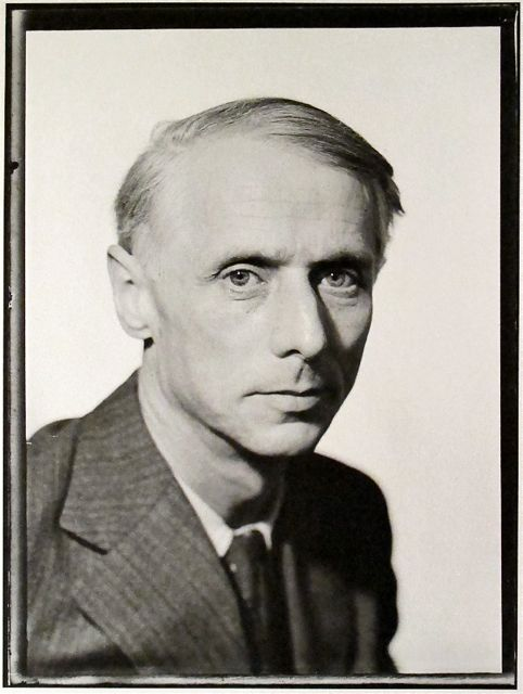 more man ray portraits    Yves Tanguy Portrait