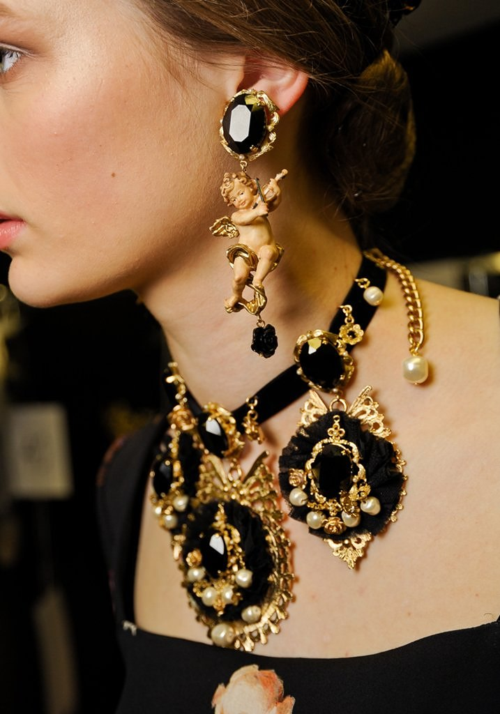 Dolce and gabbana earrings 2018