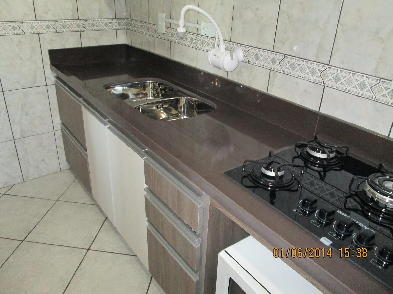MARMORARIA CARDOZO: Bancada de cozinha em granito Marrom Absoluto. #B67815 1600x1200 Banheiro Com Granito Marrom Imperial