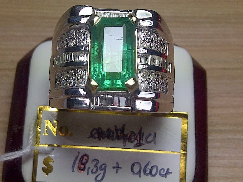 4,01ct NATURAL ZAMBIAN EMERALD GD ring ONLY IDR 20 MIO
