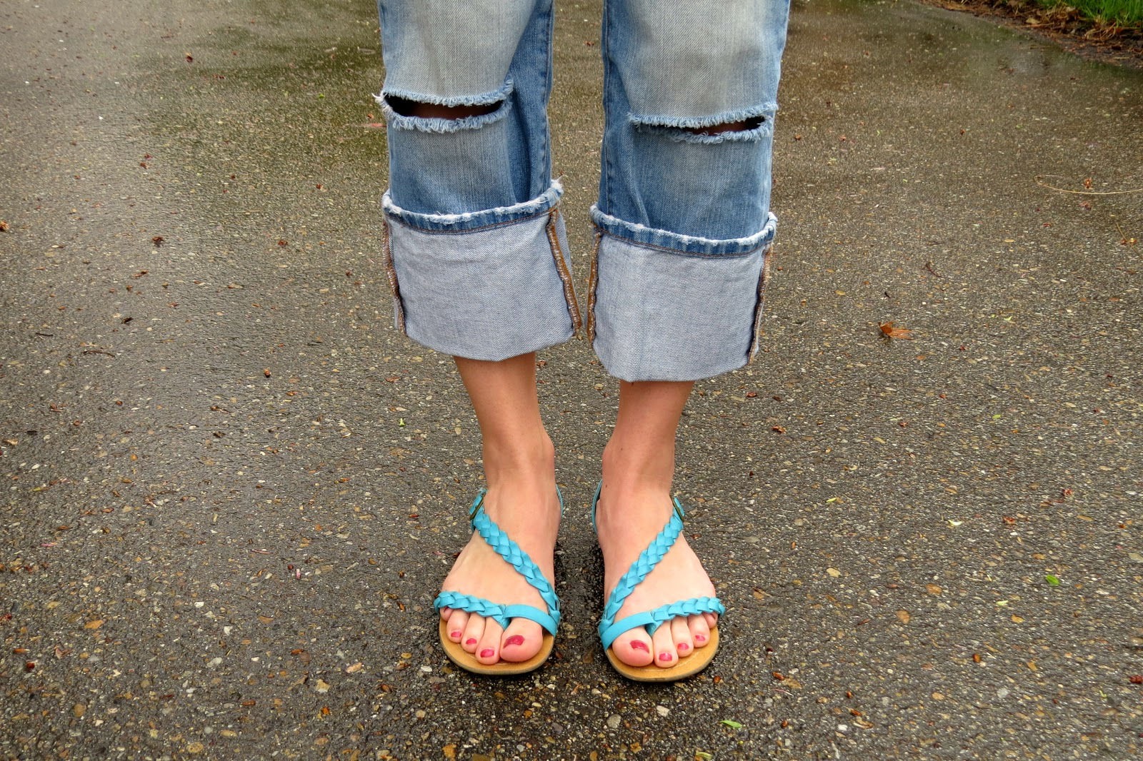 ripped jeans and bright sandals