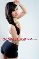 Foto Anindita Putri di Majalah Popular World