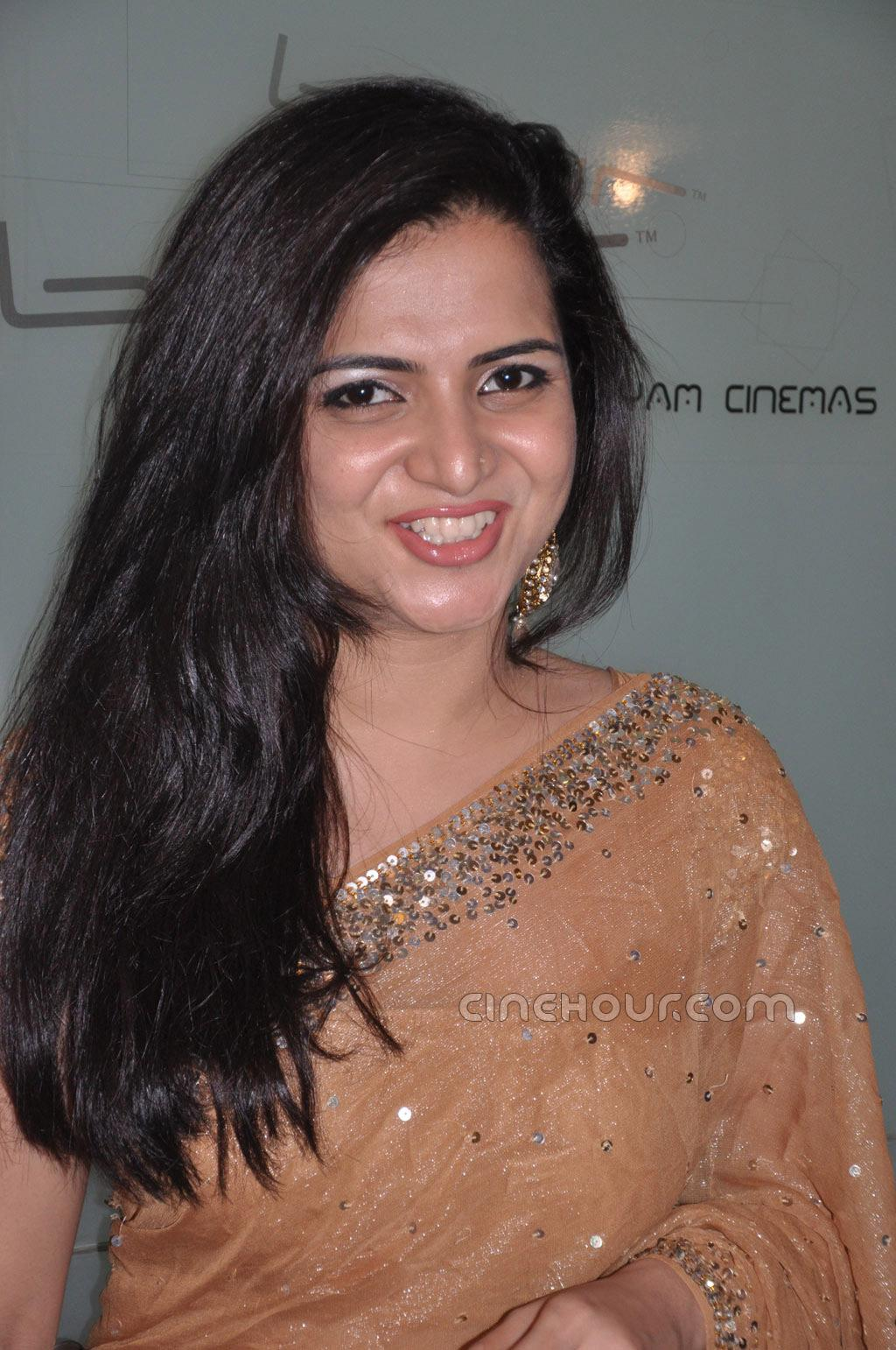 Vijay Tv Anchor Divya Dharsini At Engeyum Eppothum Audio Launch Photos