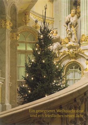 Christbaum und Altar in der Dresdner Frauenkirche