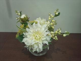 ダリアのアレンジメント 造花