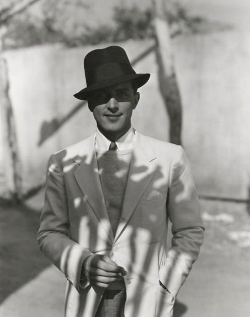 1930s ~ Phillips Holmes by George Hoyningen-Huene #1930s #menswear #fashion