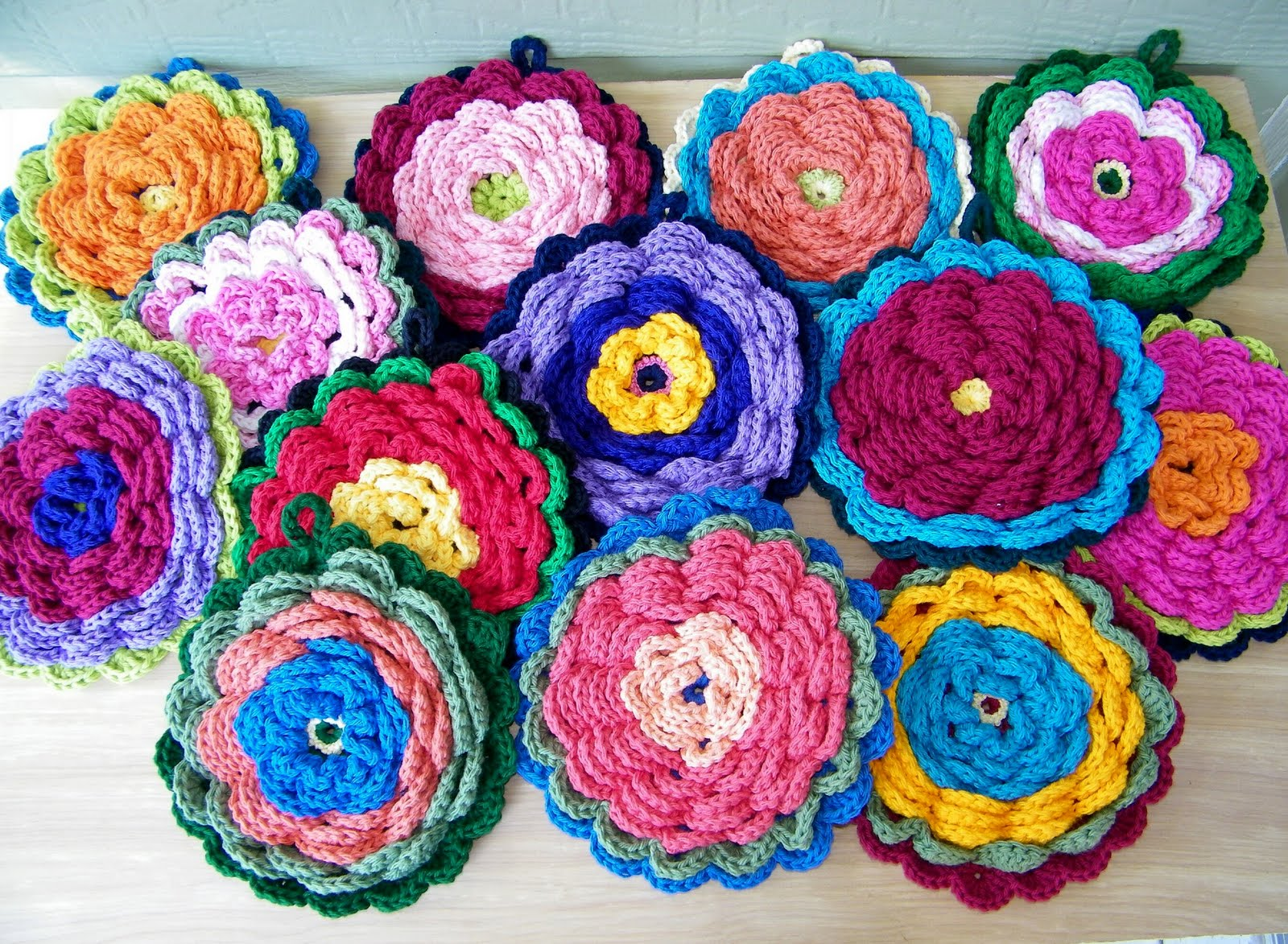 Delights-Gems: Fanciful Flower Potholders