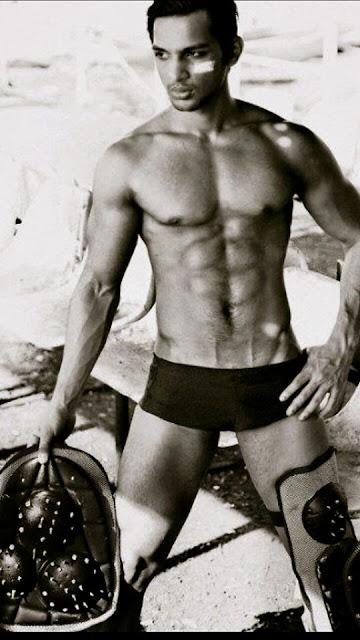 Yuvraj ThakurYuvraj Singh Shirtless