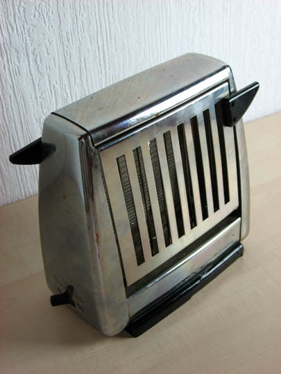 Electric Toasters From 1930 ~ The hausfrau journal vintage rowenta toaster best