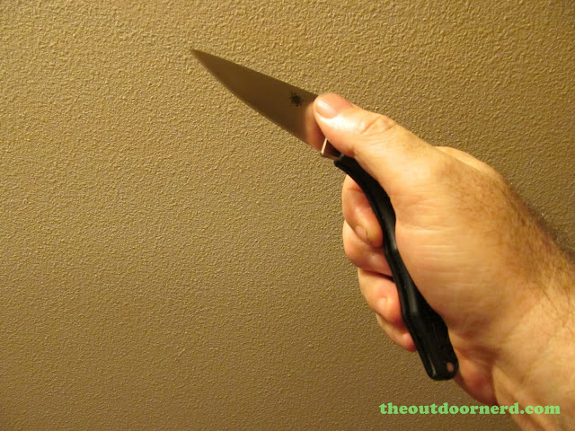 Spyderco Delica 4 FRN Pocket Knife: Deployment Step 2