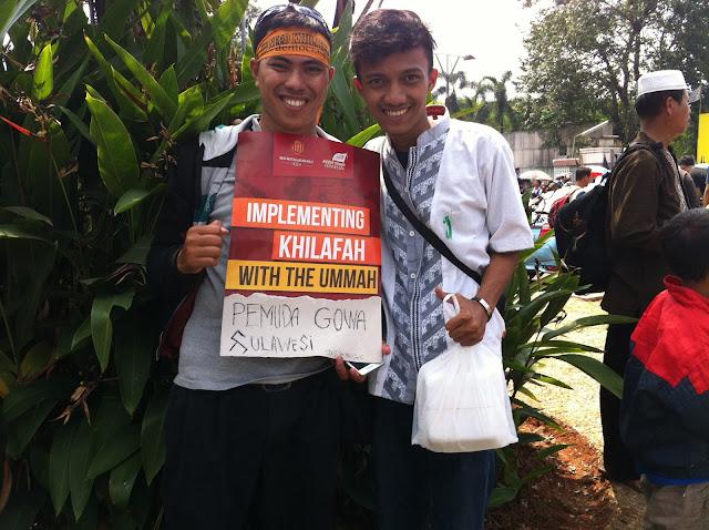rapat pawai akbar hizbut tahrir indonesia