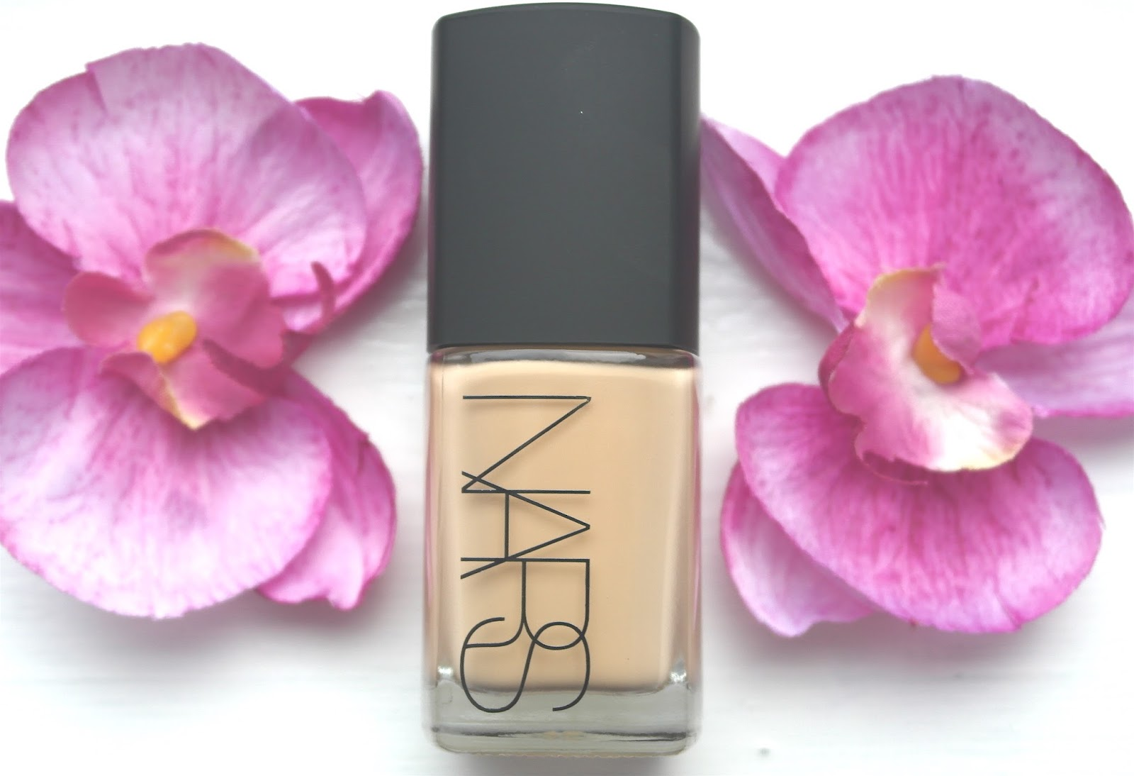 Nars Sheer glow foundation fuji