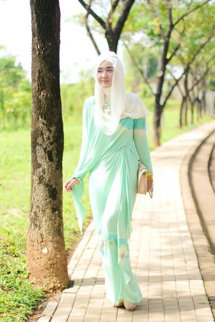 """Pintar Pakai Jilbab: Elegan Style By """"Dian Pelangi"""""""