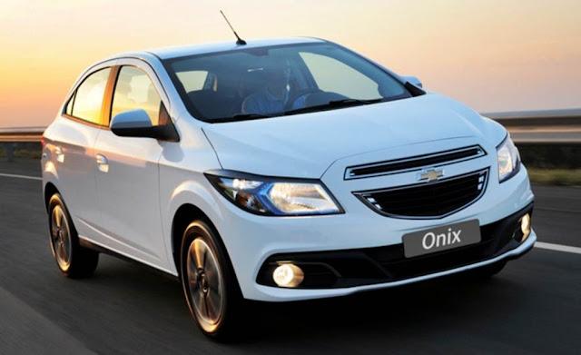 carro Chevrolet Onix 2013