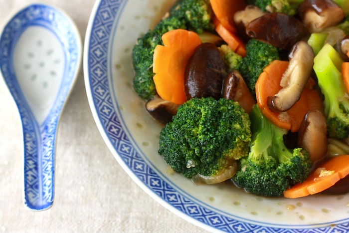 chinese style stir fried broccoli and mushroom