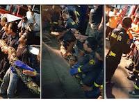 Butuh 17 Pemadam Kebakaran untuk Keluarkan Piton Besar Ini