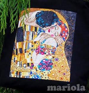 Pocałunek Klimta na torbie