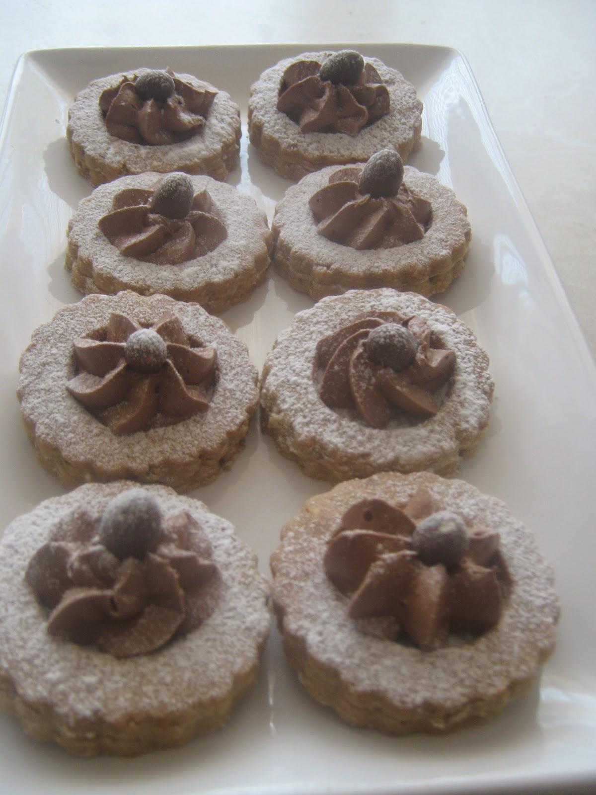 kurabiye,kremalı kurabiye,ganaj,fındık,fıstık,fındıklı kurabiye,pastane