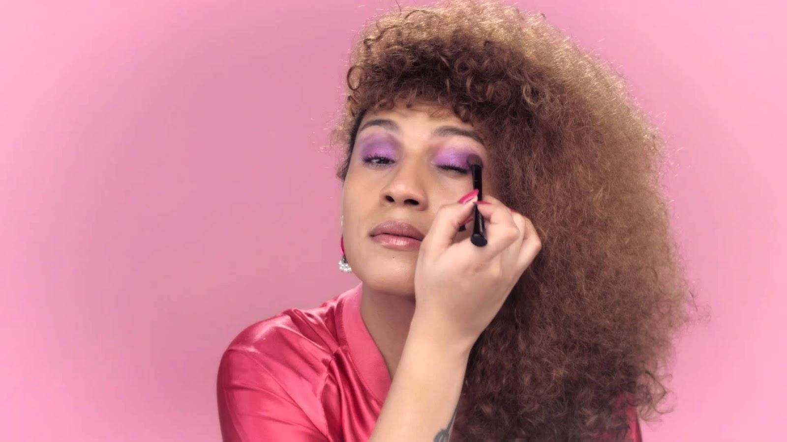 Candy Mel, da Banda Uó a primeira mulher trans a estrelar campanha do 'Outubro Rosa'