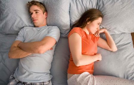 The Cold Shoulder: 5 Ways To Get Through Any Fight !!! - sad unhappy couple