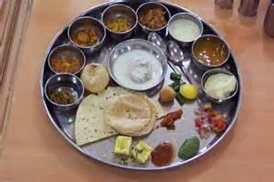 Pitru Paksh - Shraddh Paksh main Bhojan Dan or Tyag Kaise Hota Hai