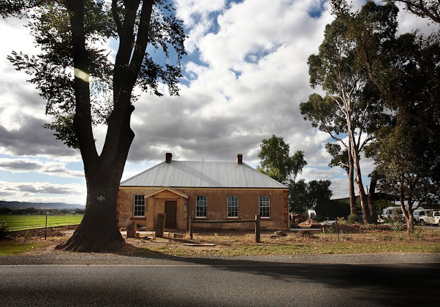 Bacchus Marsh Early house Avenue of Honour