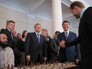 Le Président de la Fide, Kirsan Ilyumzhinov en compagnie du grand-maître israélien Alik Gershon - Photo © Marketing Directorate of the Ukrainian Chess Federation