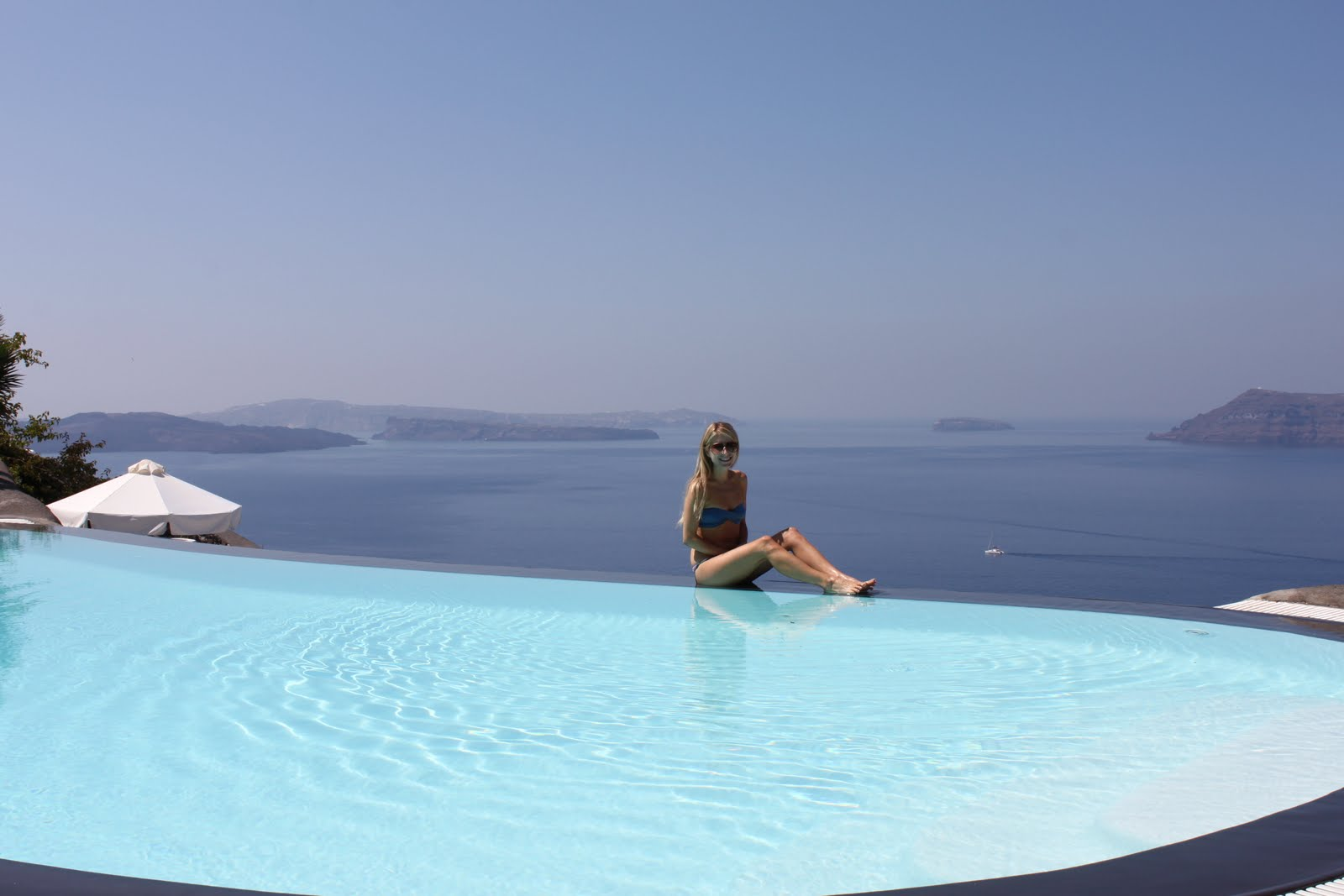 Nicole 39 s guide to style honeymoon santorini greece - Santorini infinity pool ...