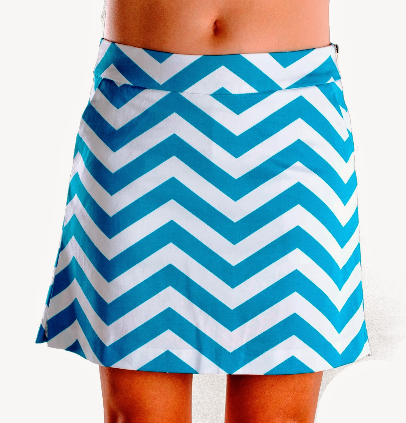 http://www.pinkgolftees.com/haute-shot-golf-on-the-dance-floor-skort.html