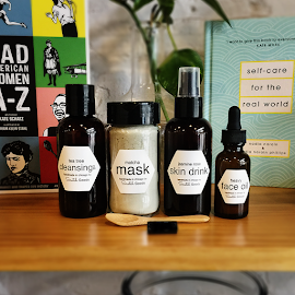 Beauty, skin and facial products from scratchgoods.com