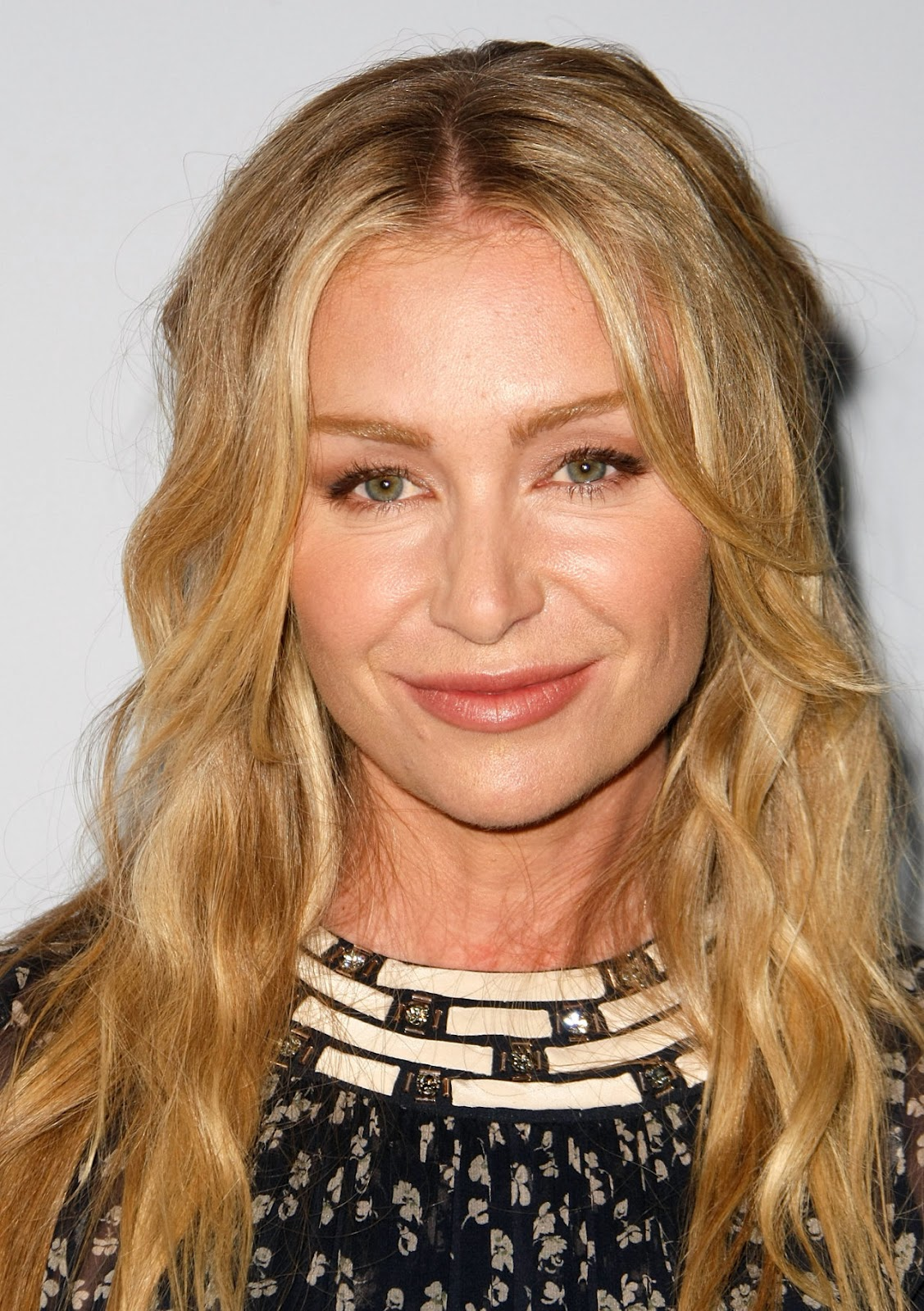 Portia De Rossi Hairstyle Pictures Fashionista Trends