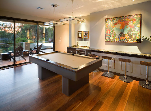 Pool table in the gaming room