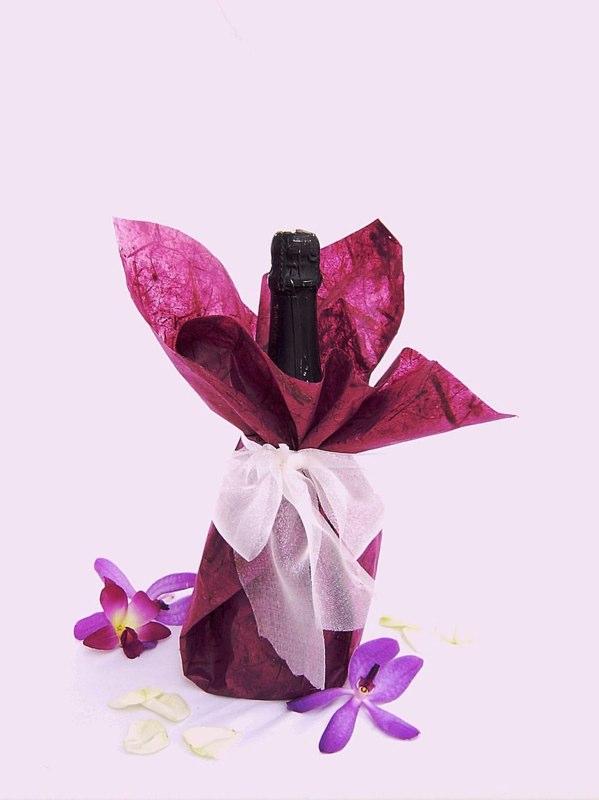Detalles con encanto botellas de vino para regalo - Como decorar botellas con papel ...