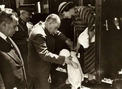 Ataturk-23-Nisan-Cocuk