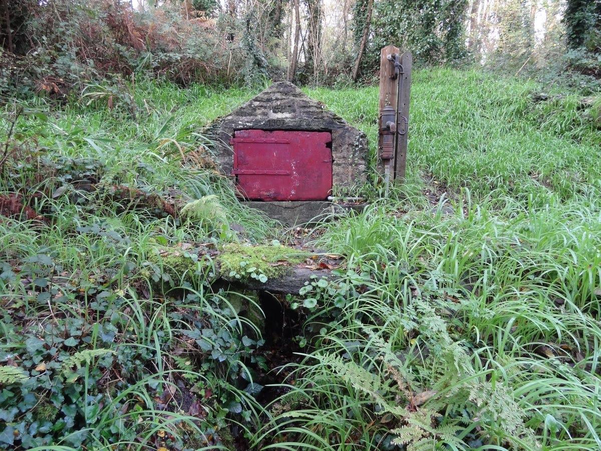 Les 2 petits lavoirs de Kerlard et sa fontaine