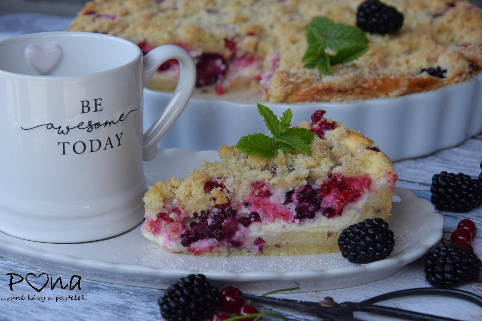 Letní tvarohový koláč s ovocem