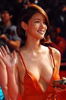 foto payudara artis korea seksi dan mulus sangat menggoda