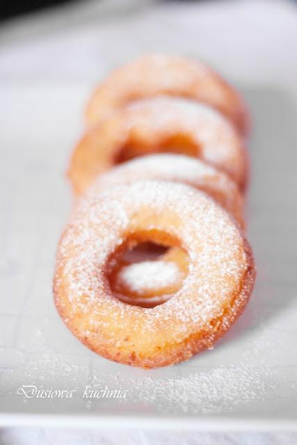 oponki, przepis na oponki, oponki tłusty czwartek, donuty, doughnuts, donaty, przepisy na tłusty czwartek