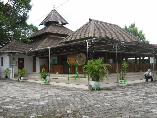 Masjid Kuno Taman