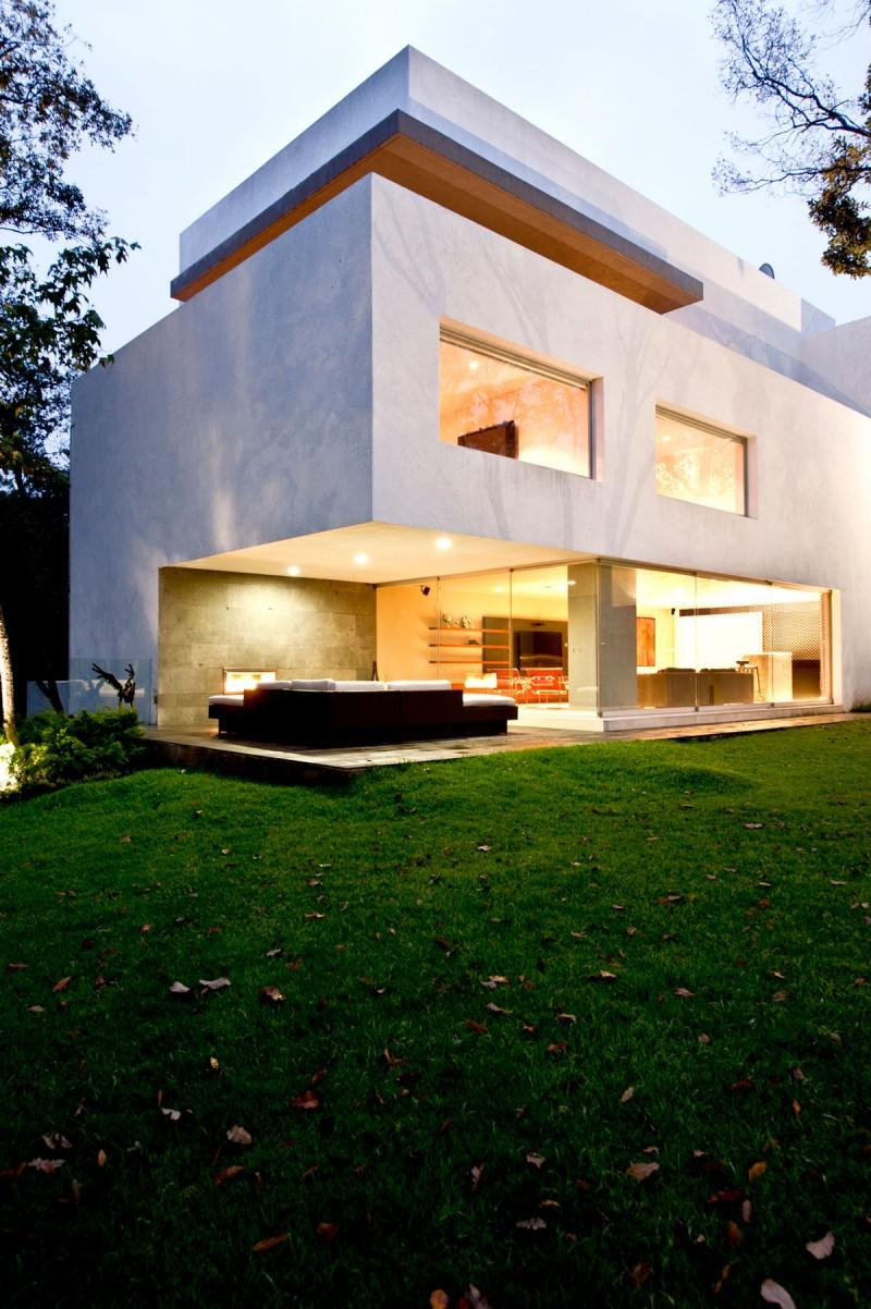 Dise o de casa contempor nea en el campo construye hogar for Casa moderna en el campo