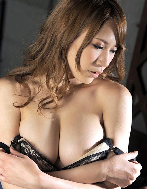 Itoshino Nami 愛乃なみ Photos 04