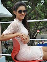 Bham Bolenath heroine Pooja Jhaveri glam pics-cover-photo