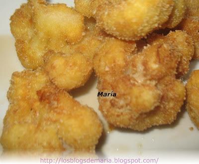 Coliflor rebozada en copos de patata